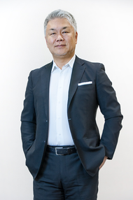 Yoshihisa Kiura - Group Account Director